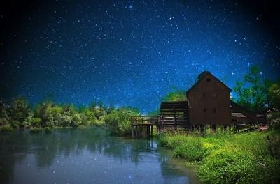 ふたご座流星群の観測場所やツアー